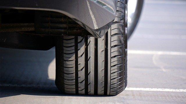 225/65R18 ムラーノのタイヤ交換(新品に入れ替え) 大きなタイヤを格安で購入交換する方法